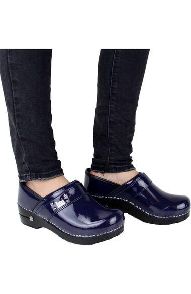 Women's Lindsey Solid Clog, , large